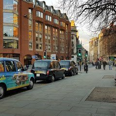 black cab taxi hire service, Benefits of Booking a Taxi in Manchester