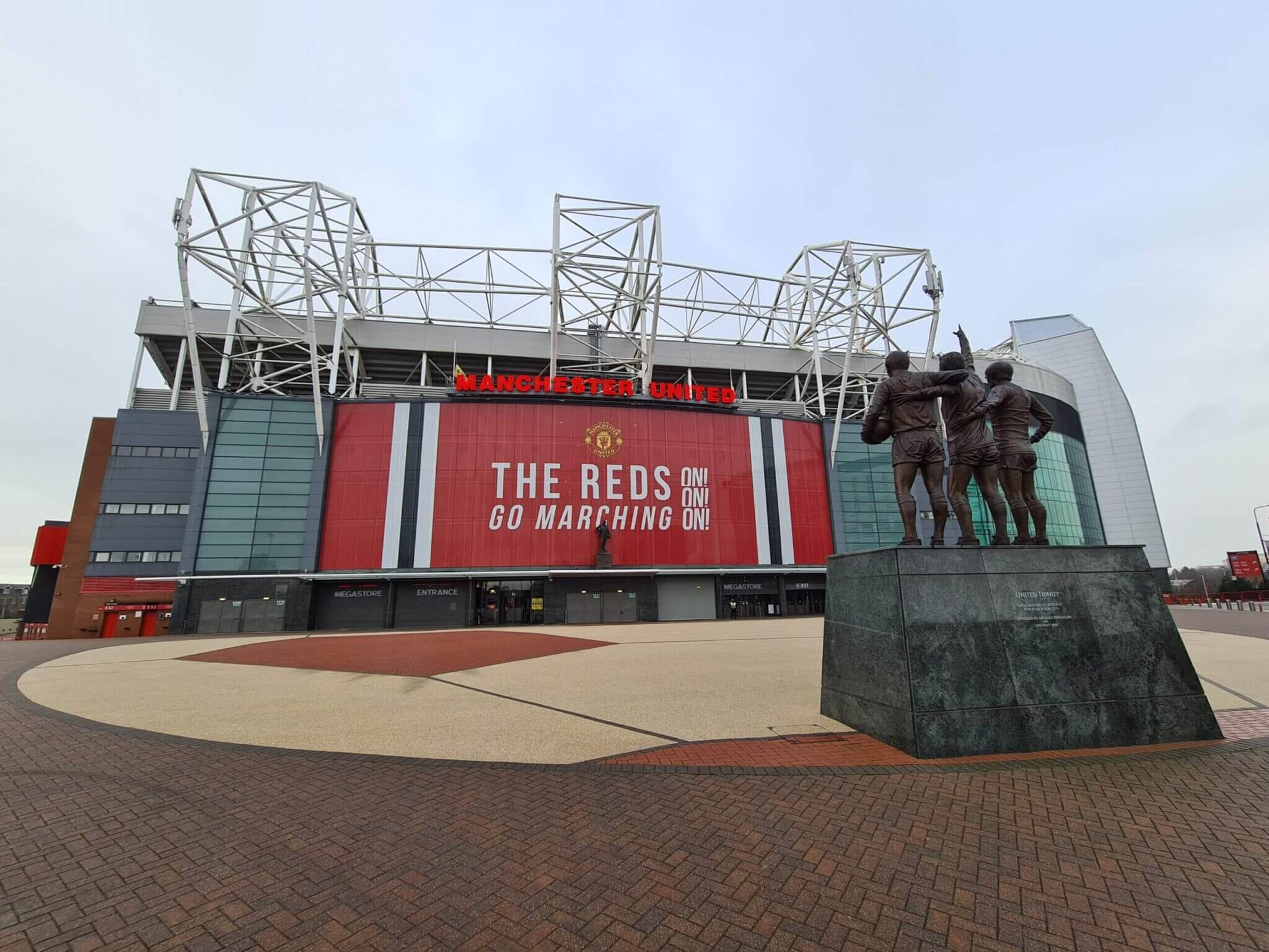 Manchester united taxi to Manchester airport