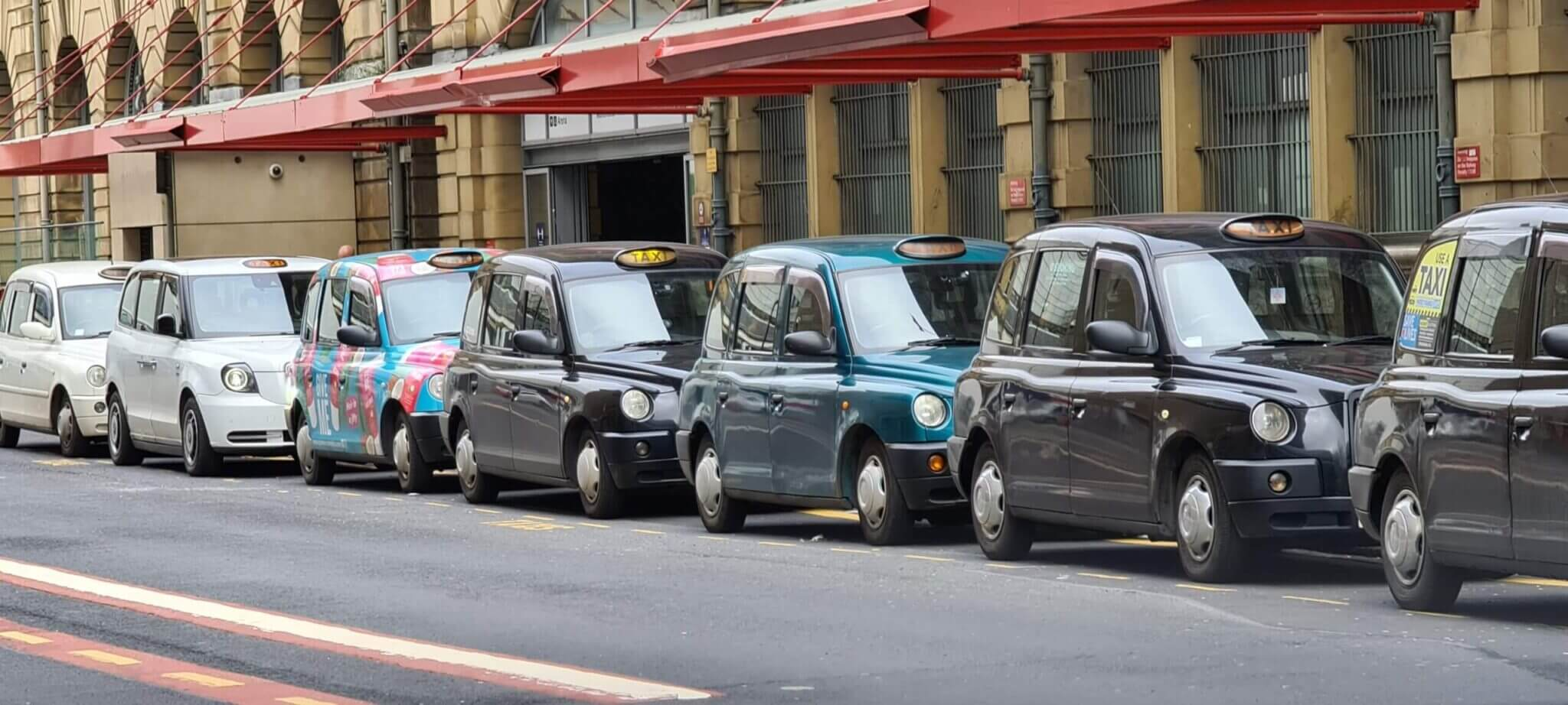 Manchester taxi service Victoria station
